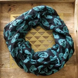 Large Lightweight Scarf with Teal Skull Pattern